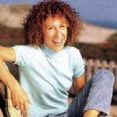 Rhea Perlman - 306 x 382