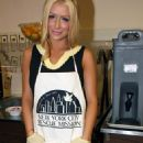 Aubrey O'Day - Thanksgiving Dinner At The New York City Rescue Mission In New York City, 27.11.2008.