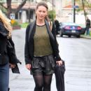 Jennifer Love Hewitt - Los Angeles candids, 18.12.2010.