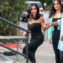 Nicole 'Snooki' Polizzi stop by the 'Extra' set January 26,2015 - 445 x 600