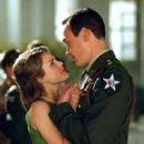 Chris Klein and Keri Russell
