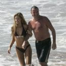 Denise Richards and Richie Sambora in Hawaïï 2007 - 454 x 633