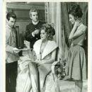 Ingrid Bergman, Irina Demick - 454 x 576