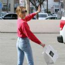 Zoey Deutch in Jeans – Leaving Alfred's in Studio City