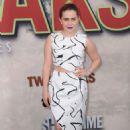 Mae Whitman – Showtime's 'Twin Peaks' Premiere in Los Angeles - 454 x 648