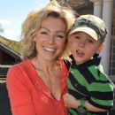 Nell McAndrew - 3 & Bird Sing-Along At London Zoo, 11 April 2010