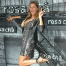 Gisele Bundchen – Rosa Cha Summer Collection Lauch Event in Sao Paulo - 454 x 667