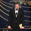 Leonardo DiCaprio At The 88th Annual Academy Awards - Show (2016) - 454 x 353