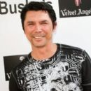 Lou Diamond Phillips - 262 x 406