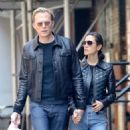 Jennifer Connelly and Paul Bettany out in New York - 454 x 544