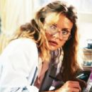 Michelle Pfeiffer - The Witches of Eastwick - 454 x 303