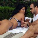 Bikini Babe Suelyn Medeiros: Poolside Perfection