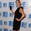 Mary McCormack - L.A. Gay & Lesbian Center's 38 Anniversary Gala - 24-10-2009 - 454 x 700