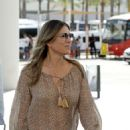 Elizabeth Hurley – Touches down in Palma - 454 x 617