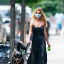 Emily Ratajkowski – walking her dog Colombo in New York City