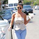 Kourtney Kardashian – Seen Out in Los Angeles - 454 x 601