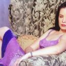 Holly Marie Combs - 454 x 323