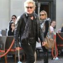 Rod Stewart and Penny Lancaster spotted out for lunch at the 208 Rodeo Restaurant in Beverly Hills, California on January 13, 2015 - 403 x 594