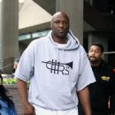 Lamar Odom is spotted out filming a new reality tv show in Beverly Hills, California on January 9, 2017 - 454 x 588