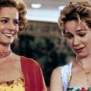 Rachel Griffiths and Carrie Preston in My Best Friend's Wedding (1997)