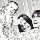 Davy Jones and Linda Haines - 390 x 274