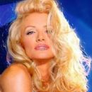 Playboy: Inside the Playboy Mansion - Shannon Tweed - 454 x 535