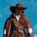 Justin Chambers as D'Artagnan in Universal's The Musketeer - 2001 - 324 x 400