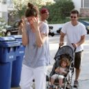 Amanda Peet, Husband David Benioff & Daughter Frances In Hollywood 02-07-2008 - 454 x 649