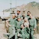 Mike Farrell - cast of MASH - 337 x 425