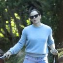 Jennifer Garner – Visiting Bradley Cooper in Pacific Palisades