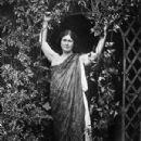 Isadora Duncan - 302 x 450