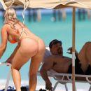 Ice-T And Bikini-Clad Coco: Miami Beach Relaxation