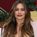 Sofia Vergara – Brooks Brothers Annual Holiday Celebration To Benefit St. Jude in LA - 454 x 568