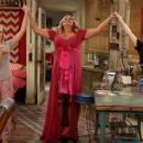 2 Broke Girls (2011) - 454 x 255