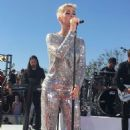 Katy Perry – Performs at the 'Witness World Wide' exclusive YouTube livestream concert in LA