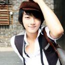 Yoon Shi-yoon - 454 x 653