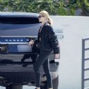 Rosie Huntington Whiteley – Hits the gym in Beverly Hills - 454 x 527
