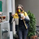 Rachael Leigh Cook – Grabs coffee in Vancouver - 454 x 681