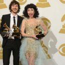 Grammys 2013: Singer Wins Best Alternative Music Album, Best Pop Duo/Group Performance - 454 x 366