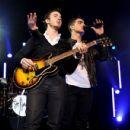 Joe Jonas performed at the Best Buy Theater last night, October 6, in New York City. It was his final show on his Joe Jonas/Jay Sean tour
