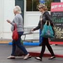 Amy Smart enjoys a day of shopping with her mom Judy in West Hollywood, California on December 15, 2014 - 454 x 367