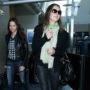 Brooke Shields Arrives at LAX January 26, 2015 - 400 x 600