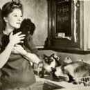 Amanda Blake and cats, 1961 - 454 x 428