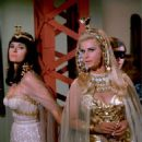 Lee Meriwether (Cleopatra) / Grace Lee Whitney (Neila)