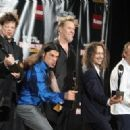 Metallica pose in the press room during the 24th Annual Rock and Roll Hall of Fame Induction Ceremony at Public Hall on April 4, 2009 in Cleveland, Ohio - 454 x 323