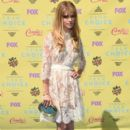 Actress Carlson Young attends the Teen Choice Awards 2015 at the USC Galen Center on August 16, 2015 in Los Angeles, California - 399 x 600