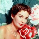 Jean Simmons - 454 x 554