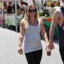 Hilary Duff – Shopping at the Farmer's Market in Los Angeles