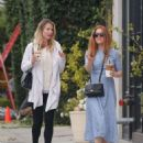 Isla Fisher at a Iced Coffee in Los Angeles May 18, 2017 - 454 x 586