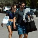 Tatiana Dieteman and Tobey Maguire – Seen on the beach in Malibu - 454 x 623